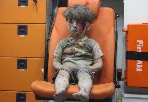 un-orphelin-syrien-rescape